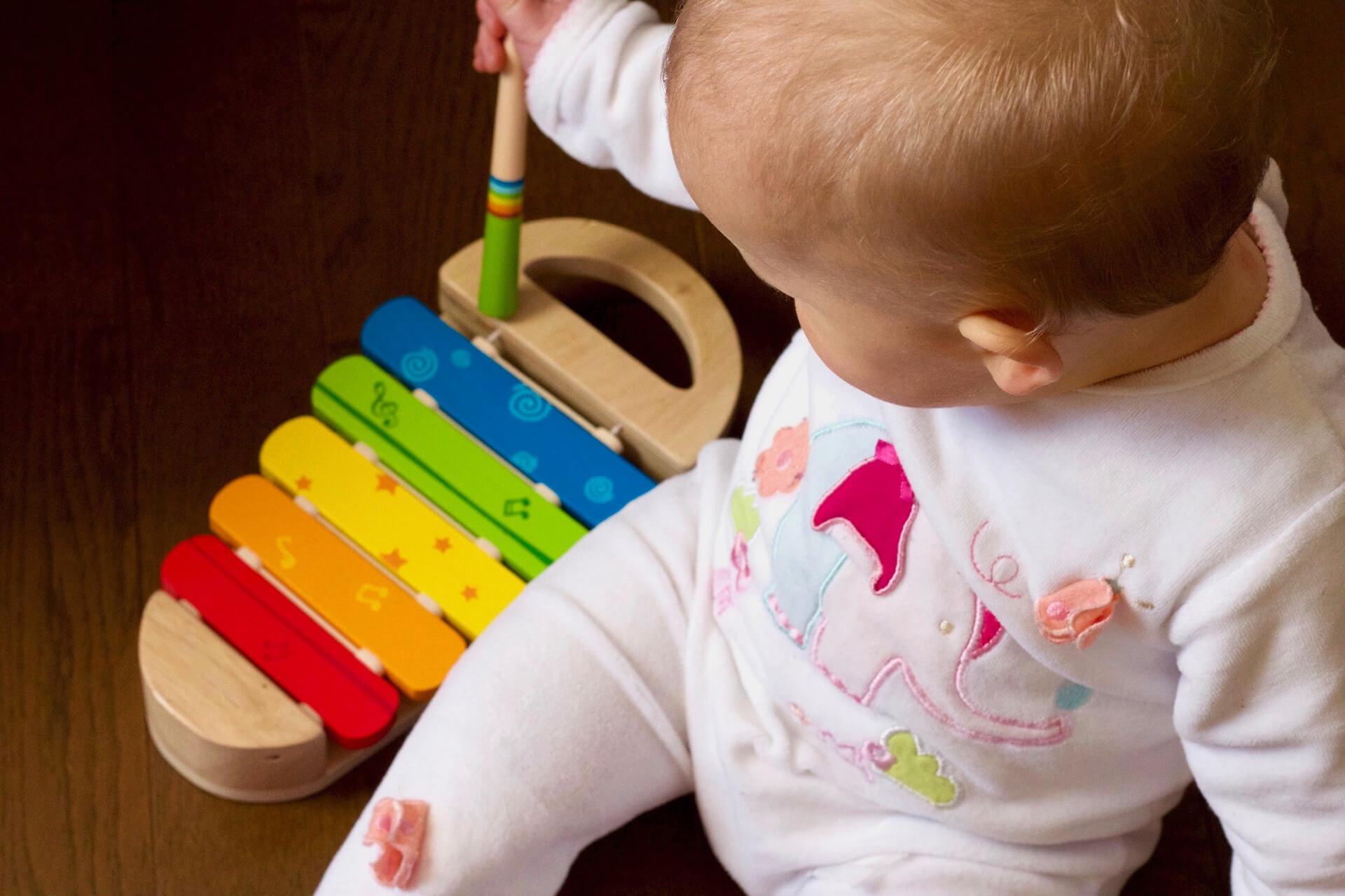 Tips para saber escoger sus primeros juguetes